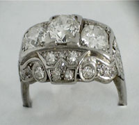 Platinum and diamond Art Deco ring, Circa 1920s, total 2 Carat